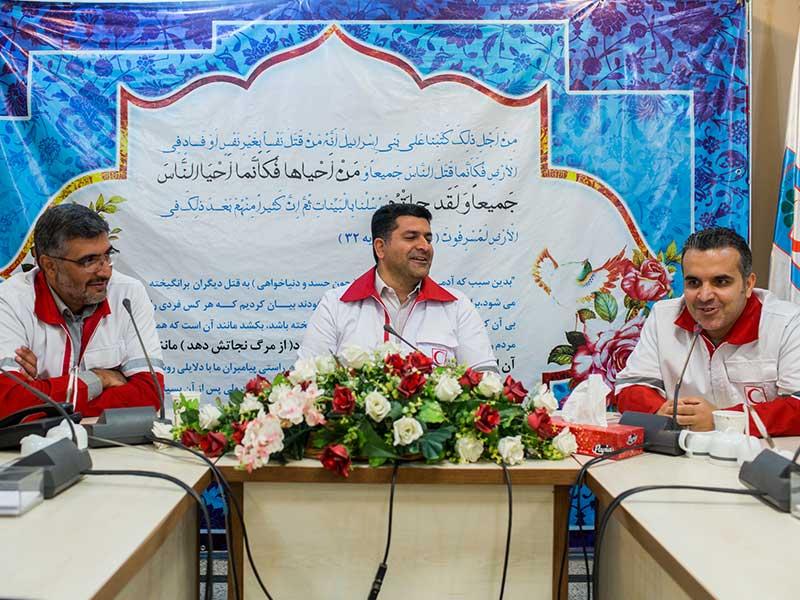 توزیع 351 بسته کامل مواد غذایی در شهرستانهای استان البرز