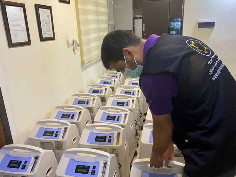 """تهیه """"بیست دستگاه اکسیژن ساز"""" برای استفاده بیمارانِ بستری مبتلا به کرونا به همت خیرین موسسه خیریه نیک گامان"""