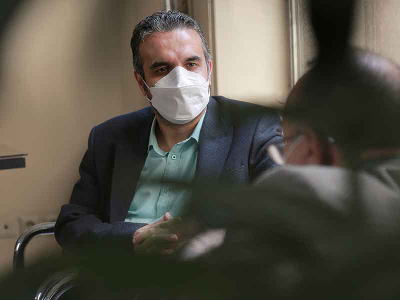 جلسه مدیر عامل موسسه خیریه نیک گامان جمشید در دانشگاه علوم پزشکی مشهد، مجتمع بیمارستانی قائم