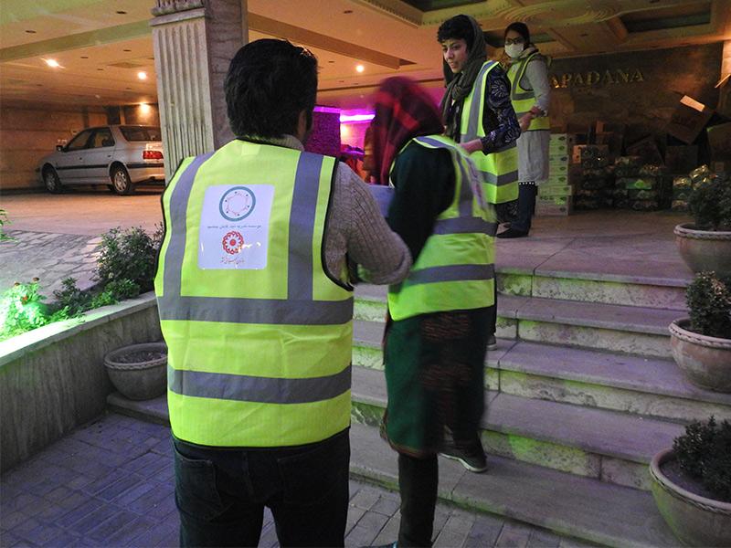 کمک به آسیب دیدگان زلزله کرمانشاه