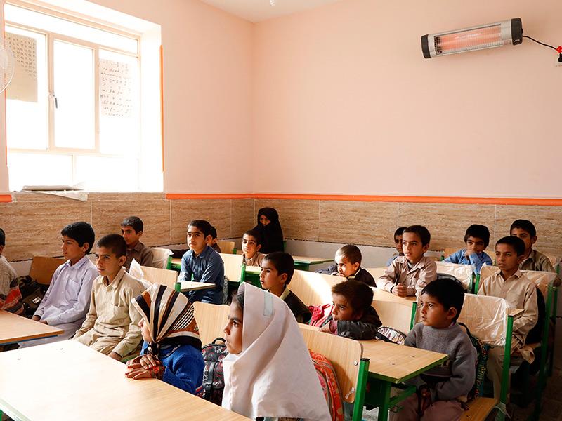مشارکت در کمپین ملی ققنوس، توزیع بخاری ایمن و استاندارد در مدارس ابتدایی شهرستانهای استان سیستان و بلوچستان