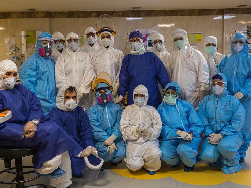 تهیه و توزیع اقلام حفاظت فردی مورد نیاز بیمارستانهای سرتاسر کشور در بحران کرونا
