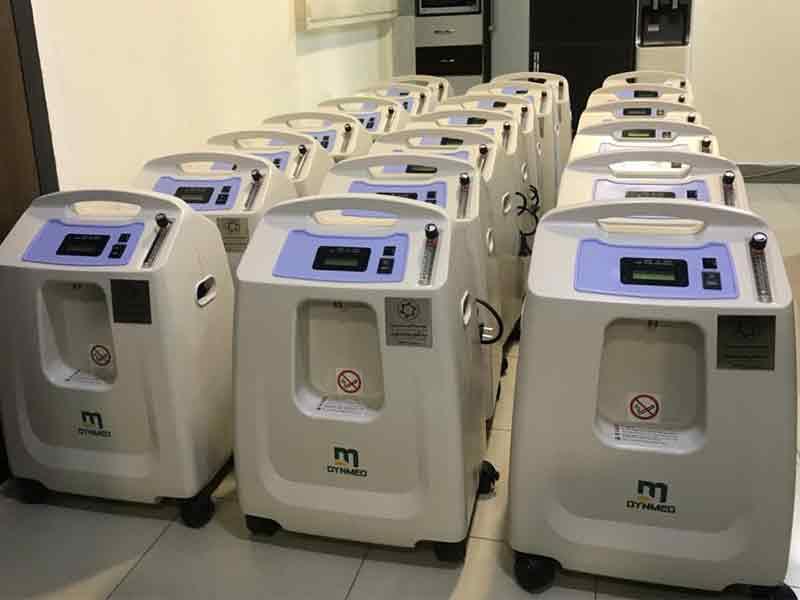 """تهیه""""بیست دستگاه اکسیژن ساز"""" برای استفاده بیمارانِ بستری مبتلا به کرونا در بیمارستان های دانشگاه علوم پزشکی مشهد"""