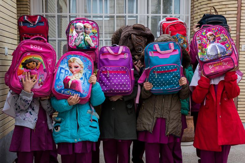 تهیه، اداره و تجهیز کامل مرکز شبه خانواده دخترانه گلها، شهر کرمان، استان کرمان